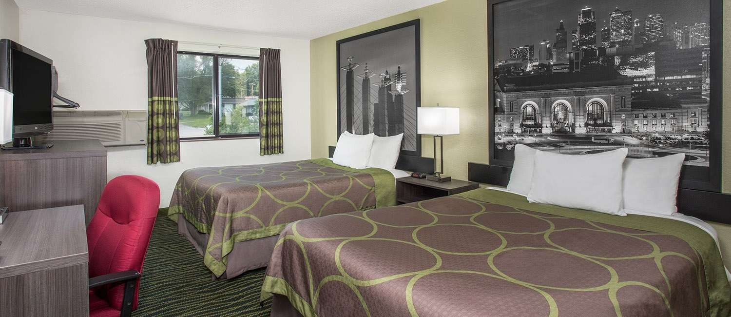 SLEEP BETTER IN THE SPACIOUS AND AFFORDABLE GUEST ROOMS AT OUR INDEPENDENCE,MO HOTEL
